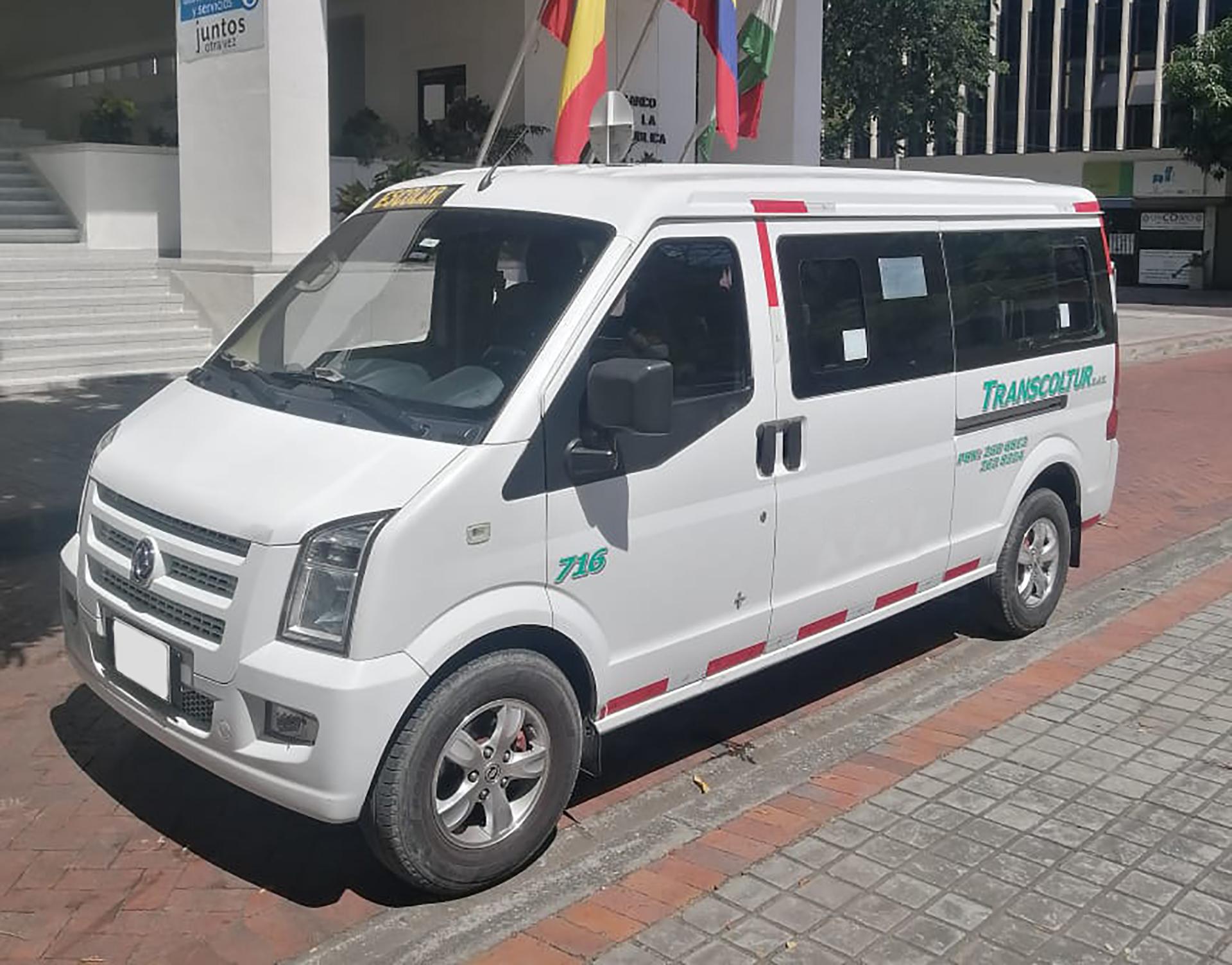transporte_minivan_piscilago
